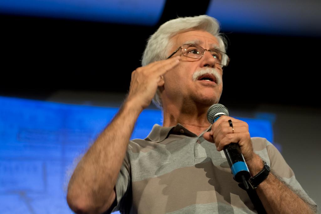 Professor José Pacheco, da EcoHabitare Projetos, lança novo livro durante a bienal